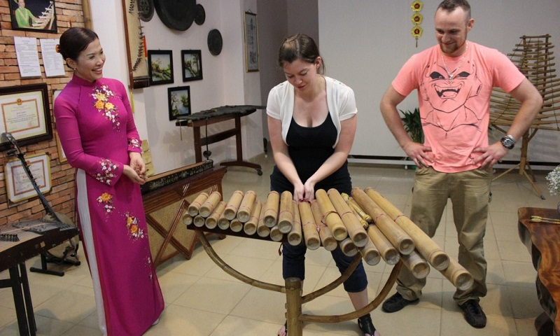 HO CHI MINH CITY ORIENTATION AND MUSIC PERFORMANCE FULL DAY